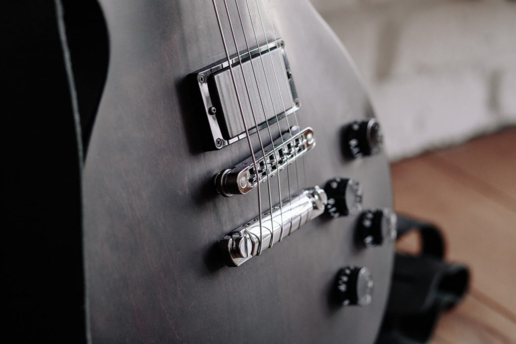 best hollow body guitar under $500 reviews & comparisons