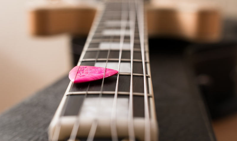 6 top guitars for girls
