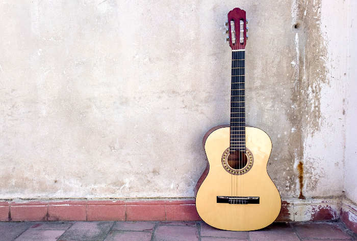 What's the Difference Between a Classical and Acoustic Guitar?