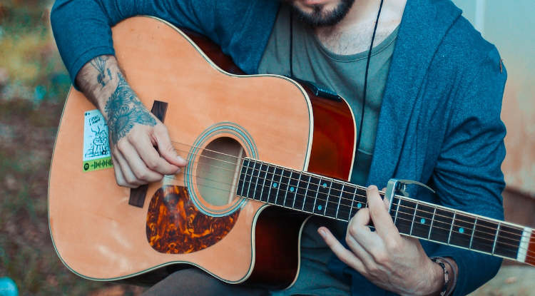 The Best Acoustic Guitars Under $500 – Expert Recommendations